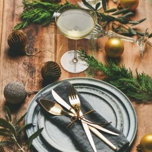 Holiday Table Setting with Hawley Crescent